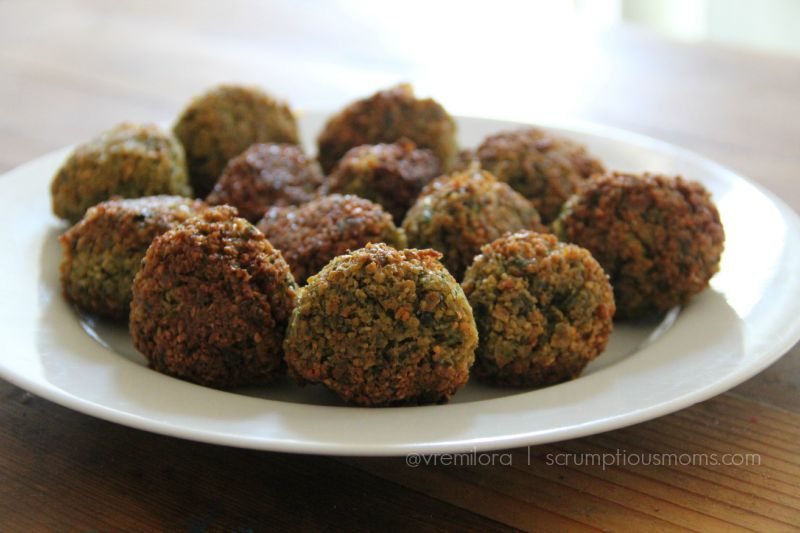 plate of cooked falafels